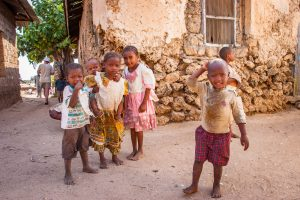להתנדב עם ילדים בטנזניה