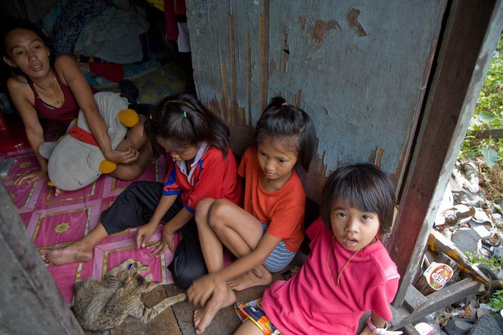להתנדב עם ילדים בתאילנד