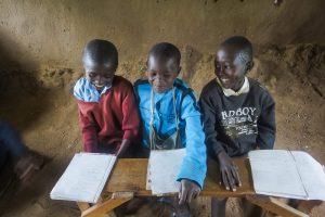 להתנדב עם ילדים בקניה